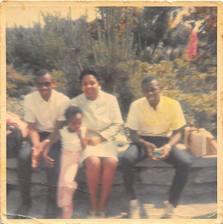 Ronald Lee, Peggy, Charles & Gladys (Cissy)